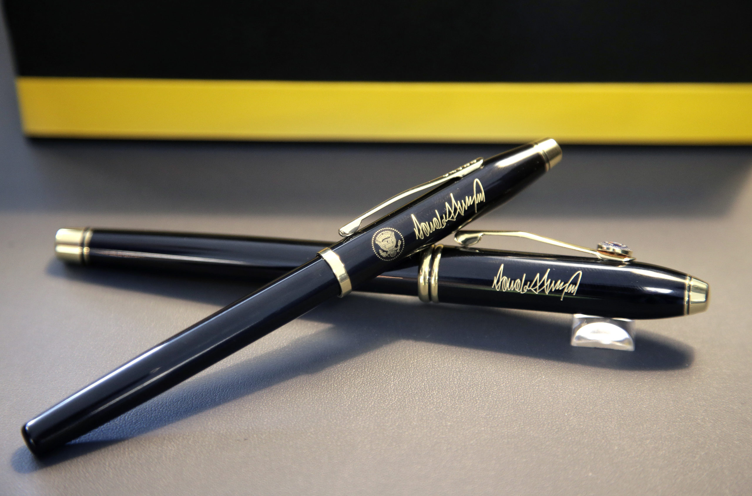 Exclusive Gifts Johannesburg Cross Pens for President Trump